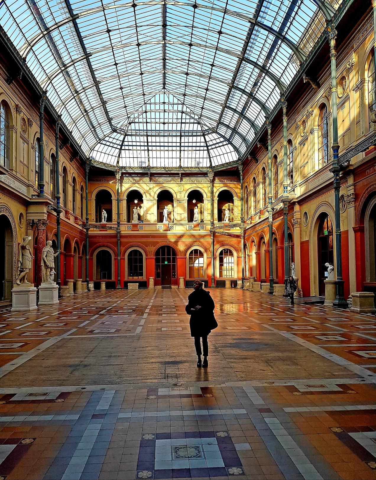 Le Palais des Etudes, une grande galerie vous accueille