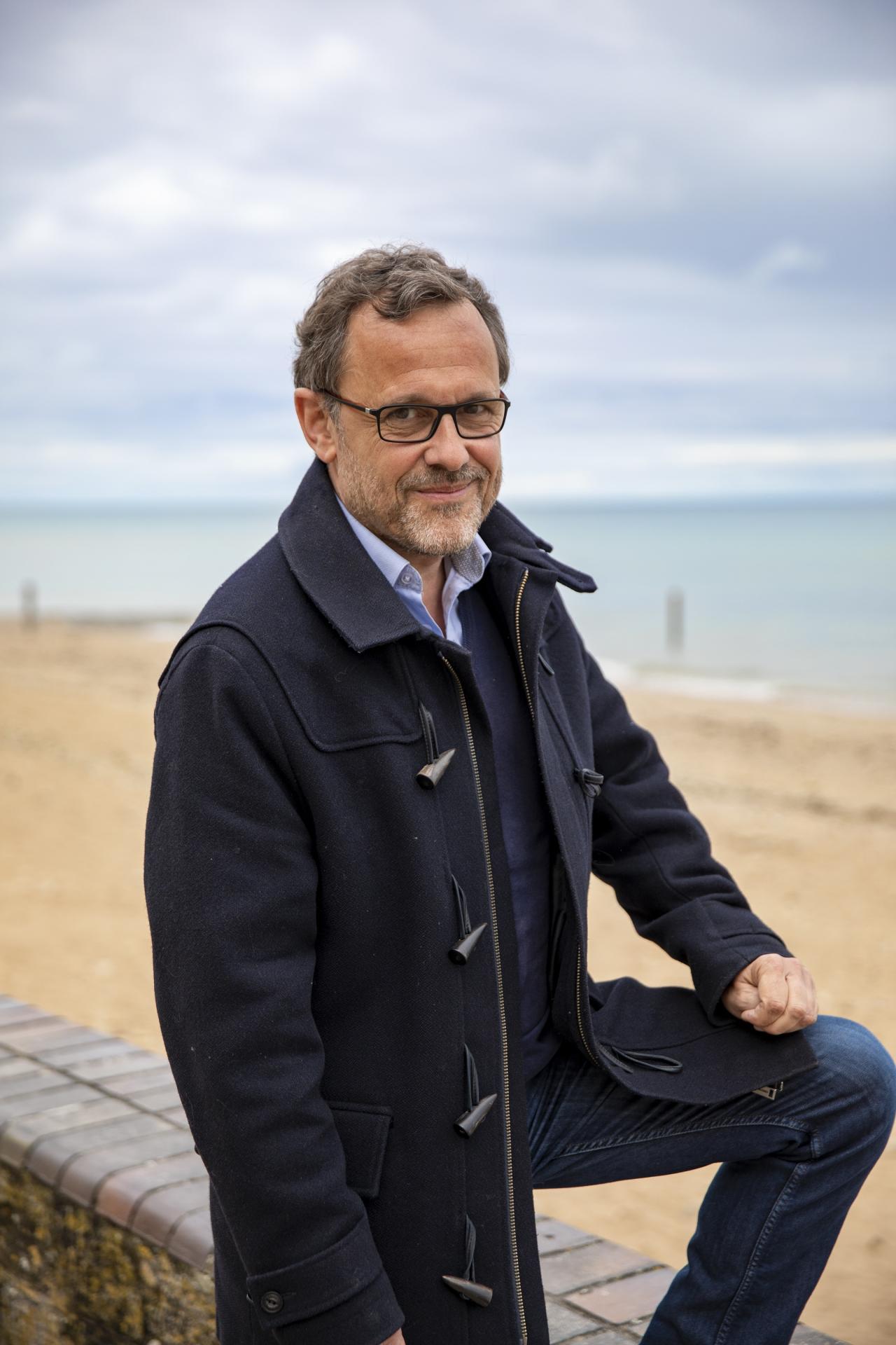 Sur les plages de sa Normandie natale.
