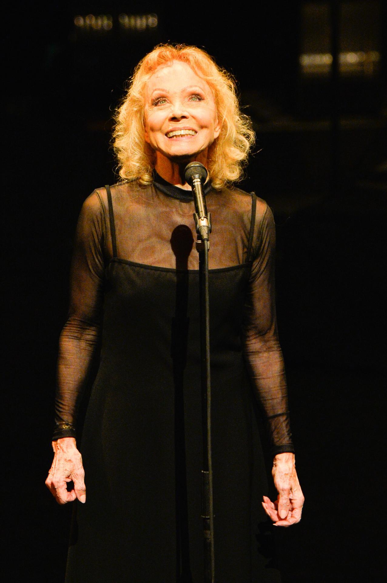Isabelle Aubret sur scène le 17 Mars à Lille.
