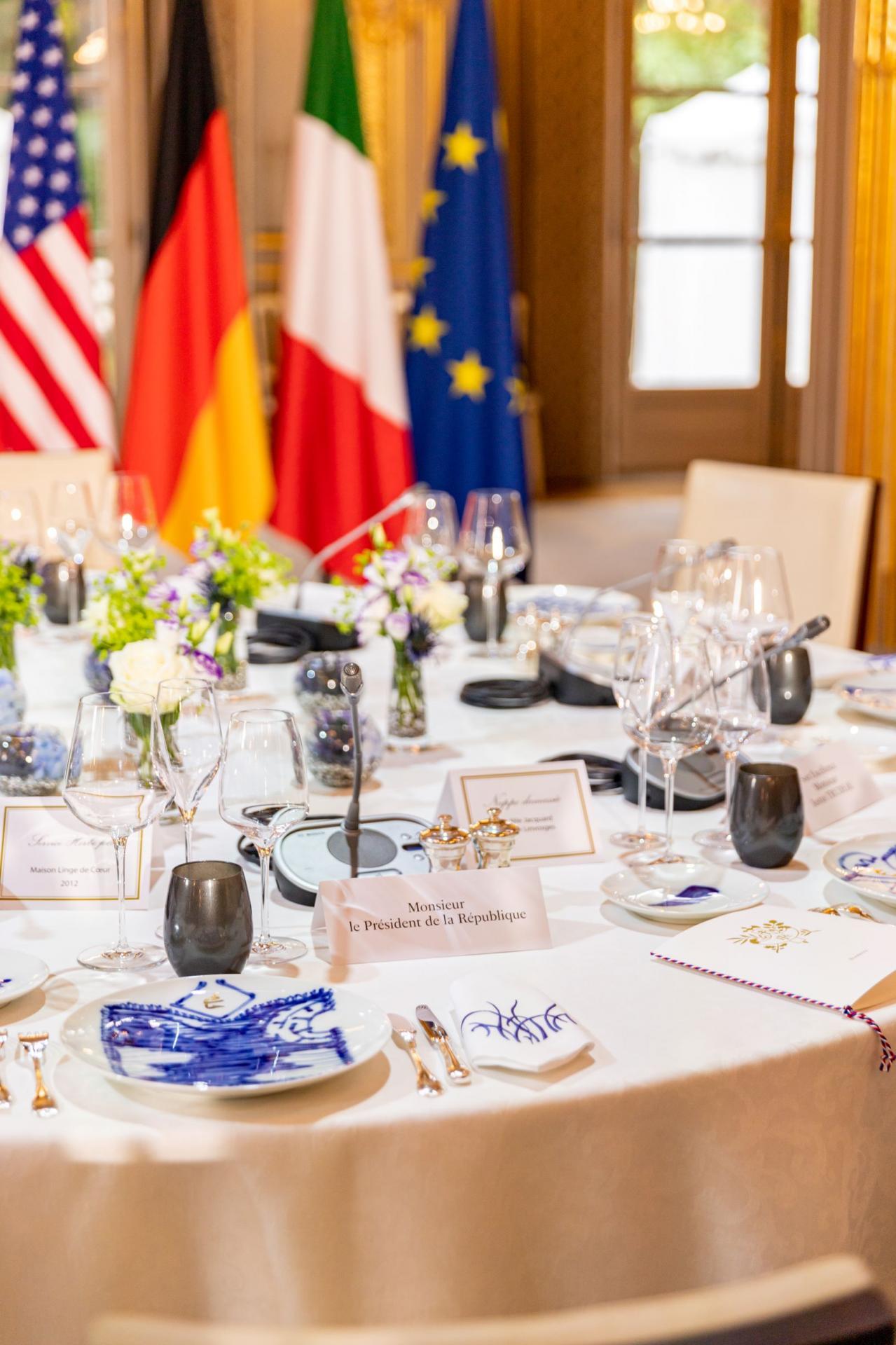 A l'identique, la table du G7 a été dressée.