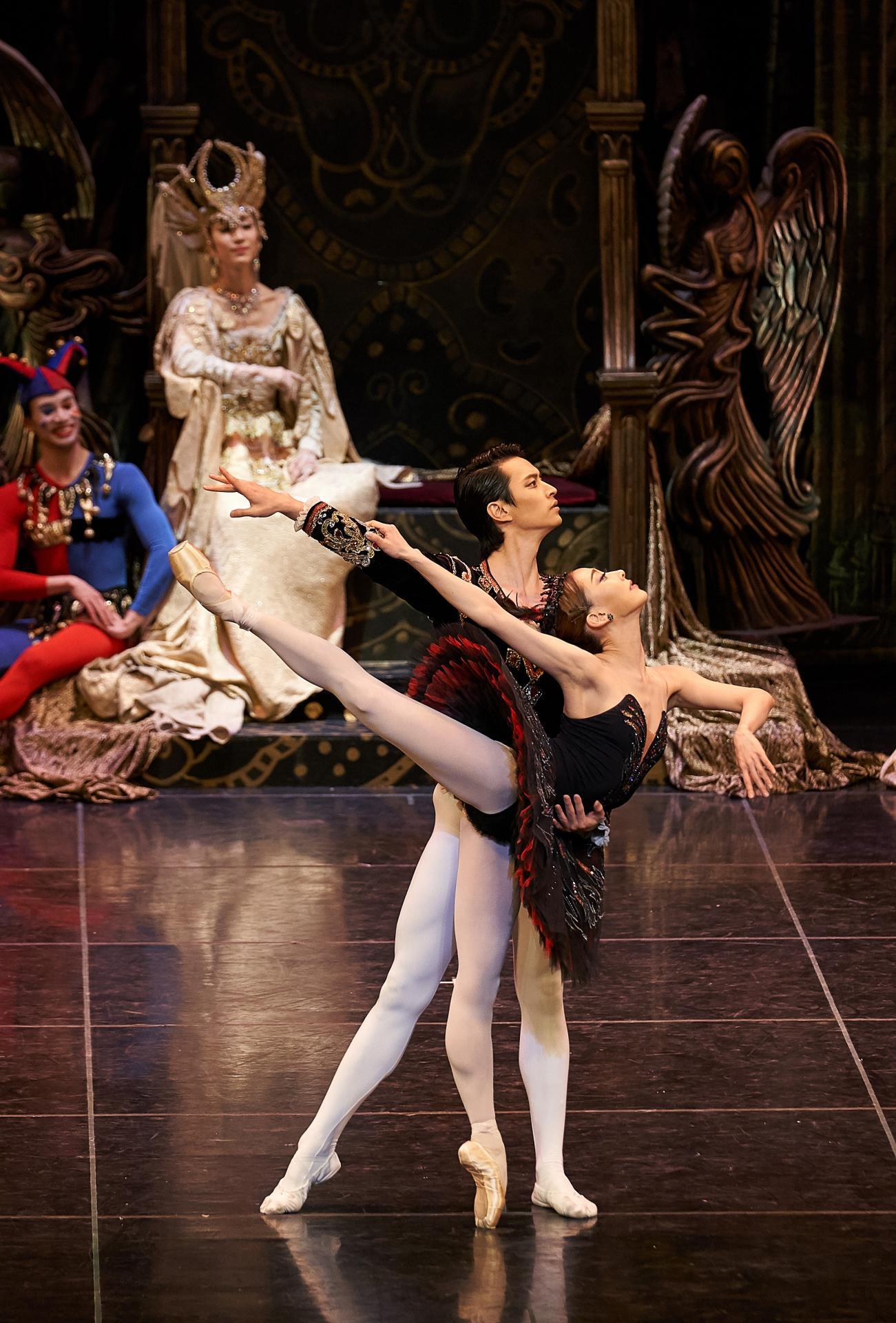 """""""Le Lac des Cygnes"""" , une oeuvre mythique interprétée par l'Universal Ballet."""